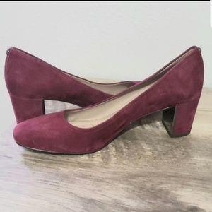 Donald Pliner pump heels